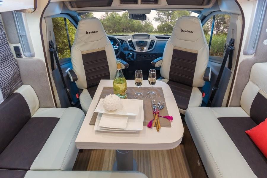 Interior de la autocaravana Tessoro 442